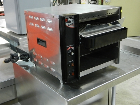 APW Wyott Xtreme XTRM-1 Radiant Conveyor Toaster