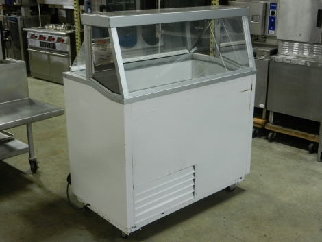 Hussmann DCSG-8 8 Flavor Ice Cream Dipping Cabinet on Casters w/Stainless Steel Dipwell
